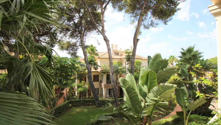 Los Monteros Playa, Elegant property in First Line Beach Complex