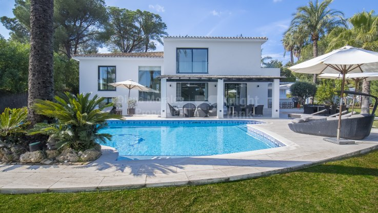 Stylish Property - Villa for sale in Las Brisas, Nueva Andalucia