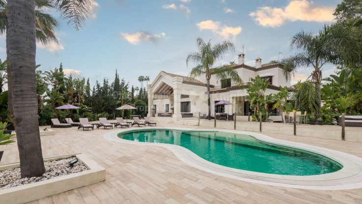 Property to be auctioned: May 13th: Frontline golf villa in La Cerquilla
