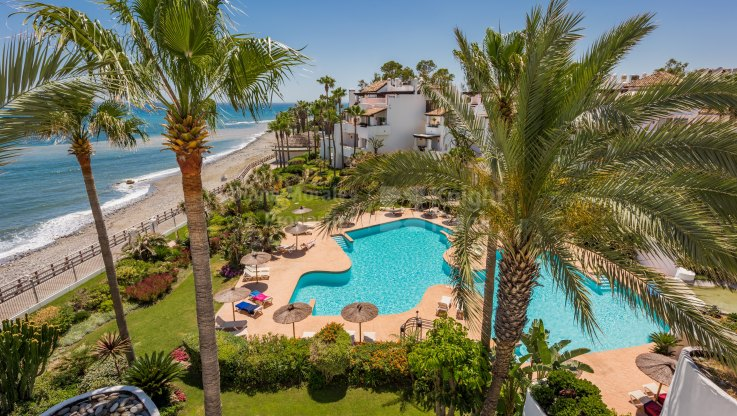 Luxurious Frontline Beach Duplex Penthouse - Duplex Penthouse for sale in Ventura del Mar, Marbella - Puerto Banus