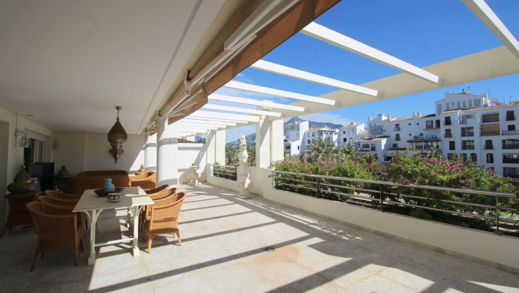 East Facing Property in Puerto Banus - Apartment for sale in Marbella - Puerto Banus