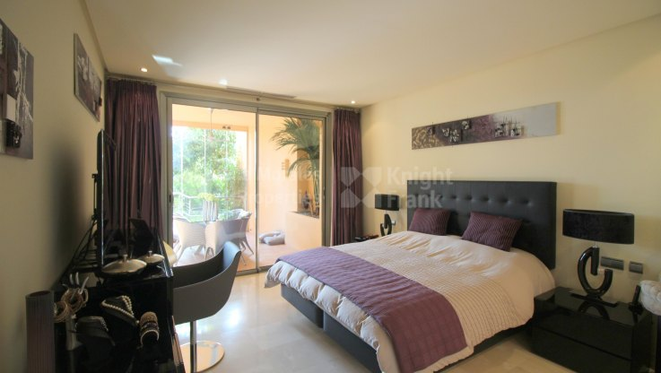 Luxury Garden Apartment in Secure Development - Ground Floor Apartment for sale in Mansion Club, Marbella Golden Mile