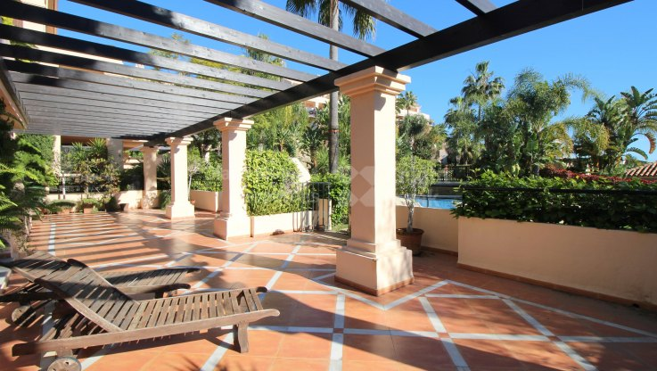 Spacious double apartment - Ground Floor Apartment for sale in Albatross Hill, Nueva Andalucia
