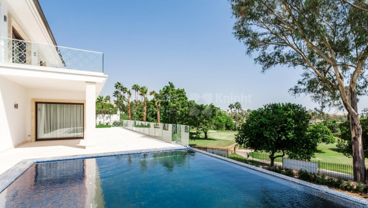 Great Frontline Golf Position - Villa for sale in Los Naranjos Golf, Nueva Andalucia