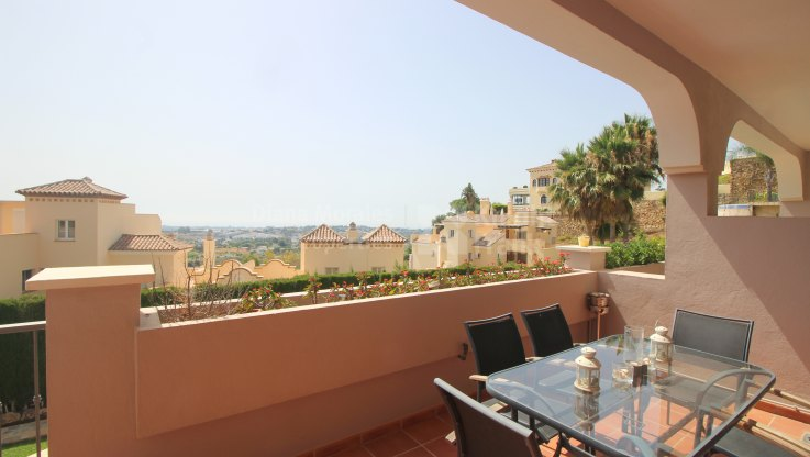Tranquility and views - Ground Floor Apartment for sale in Puerto del Almendro, Benahavis