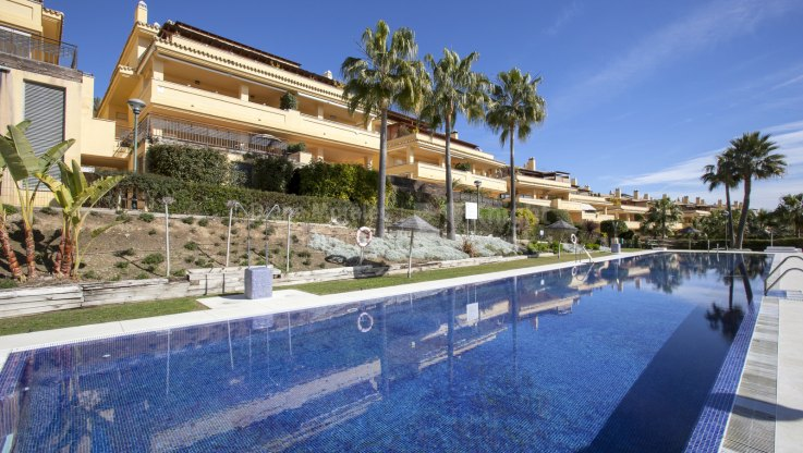 Cascada de Camojan, Ground Floor Apartment in Peaceful Setting in Marbella