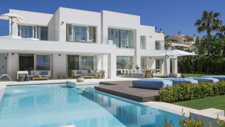 Architectural masterpiece on beachfront - Villa for rent in Beach Side Golden Mile, Marbella Golden Mile