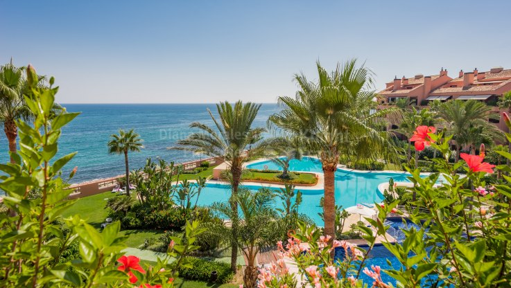 Marbella - Puerto Banus, Beachfront Penthouse in Luxury Development