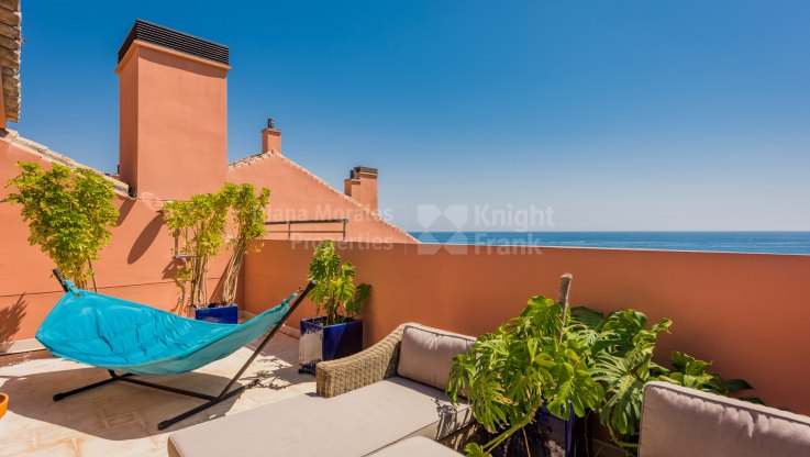 Beachfront Penthouse in Luxury Development - Duplex Penthouse for sale in Malibu, Marbella - Puerto Banus