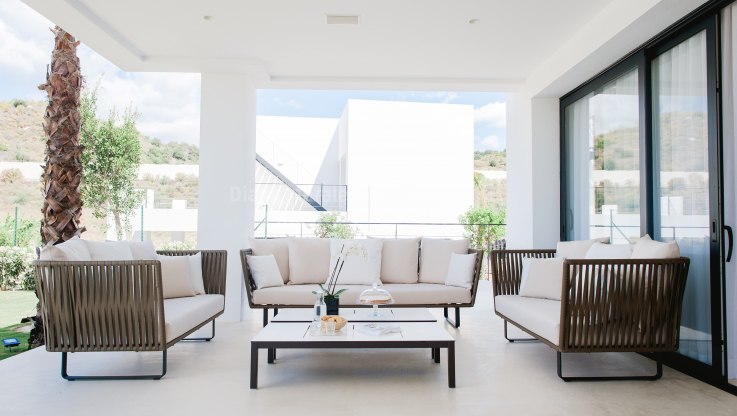 Contemporary Living in the Golf Valley - Villa for sale in Nueva Andalucia