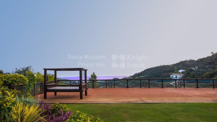 Stunning Views - Villa for sale in La Zagaleta, Benahavis