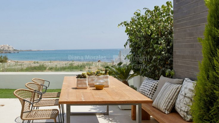 Beachfront Townhouse in Modern Style Development - Town House for sale in Estepona Playa, Estepona