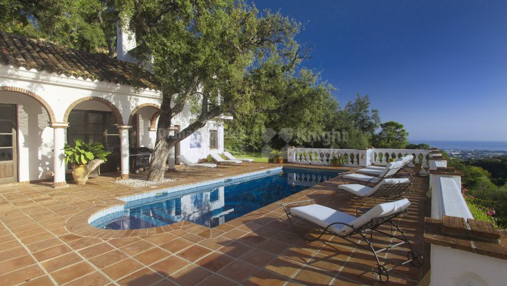El Madroñal, Authentic Country Style Home