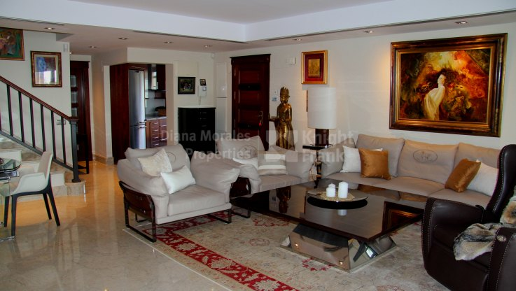 Duplex Penthouse with Sea Views - Duplex Penthouse for sale in Casablanca Beach, San Pedro de Alcantara
