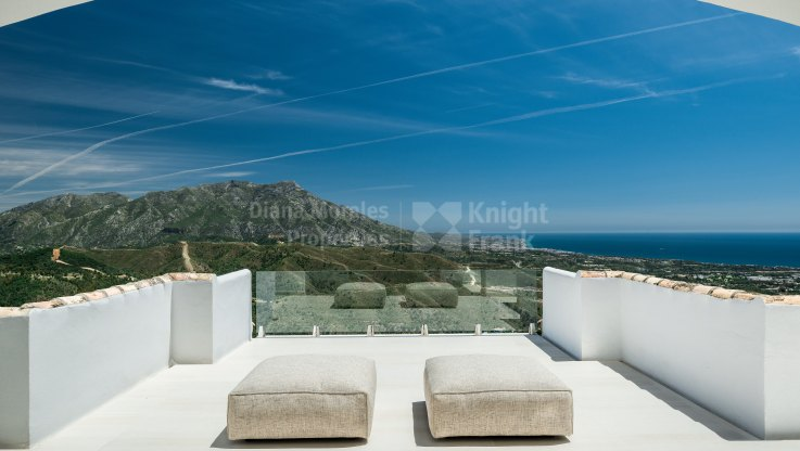 Benahavis, Inmaculate Villa with Breathtaking Views