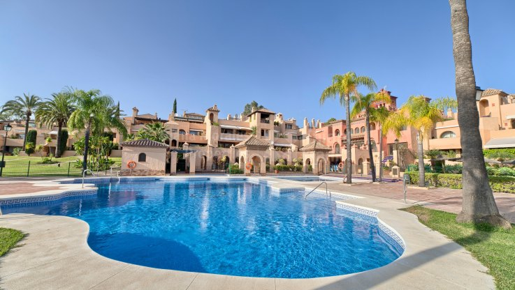 Estepona, Exquisite penthouse near golf in Cartuja del Golf