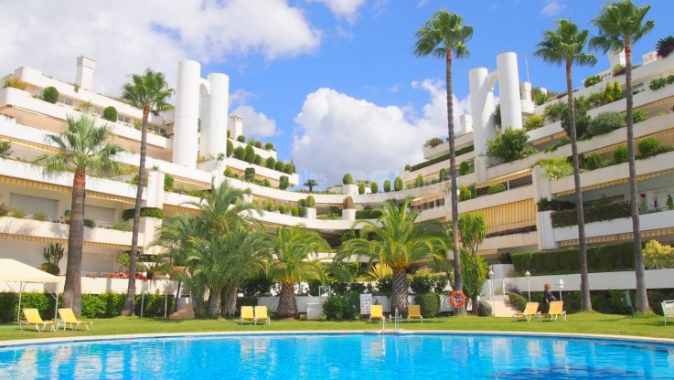 Terrazas de Las Lomas, Ground floor Apartment in the Golden Mile