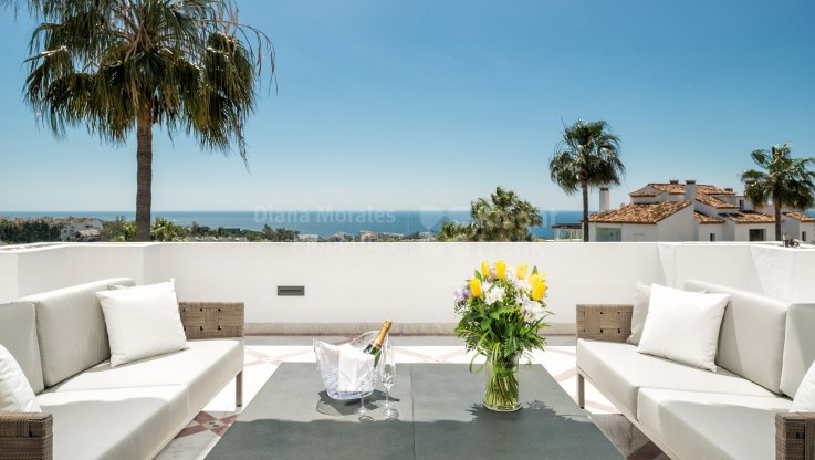 Monte Paraiso Country Club, Impressive apartment with sea views