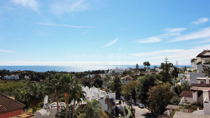 Marbella Golden Mile, Tranquil Setting close to Marbella Centre
