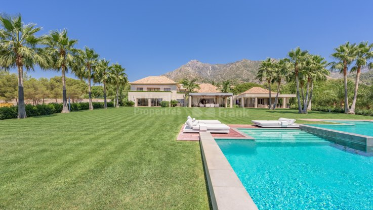 La Quinta de Sierra Blanca, Villa in gated community