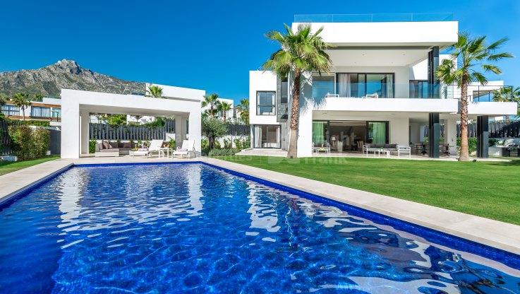 Modern style villa - Villa for sale in Altos de Puente Romano, Marbella Golden Mile