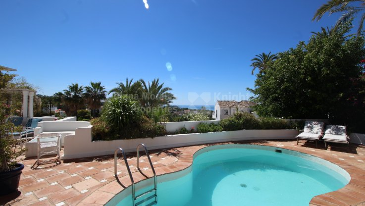 Marbella Hill Club, Property with pool and exceptional views