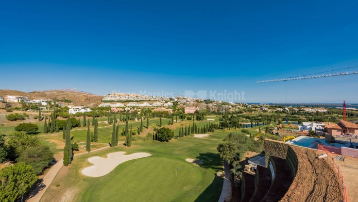 Popular location - Plot for sale in Los Flamingos Golf, Benahavis