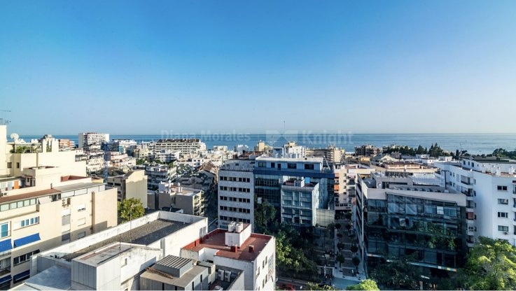 Marbella Centro, Penthouse with sea views and great location