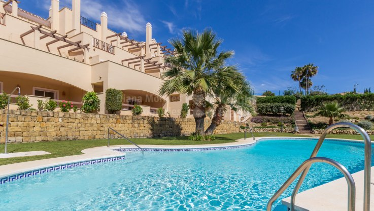 Nueva Andalucia, Duplex Apartment in Gated Community