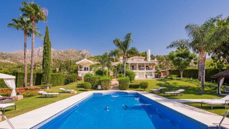 Cascada de Camojan, Outstanding home in prime address