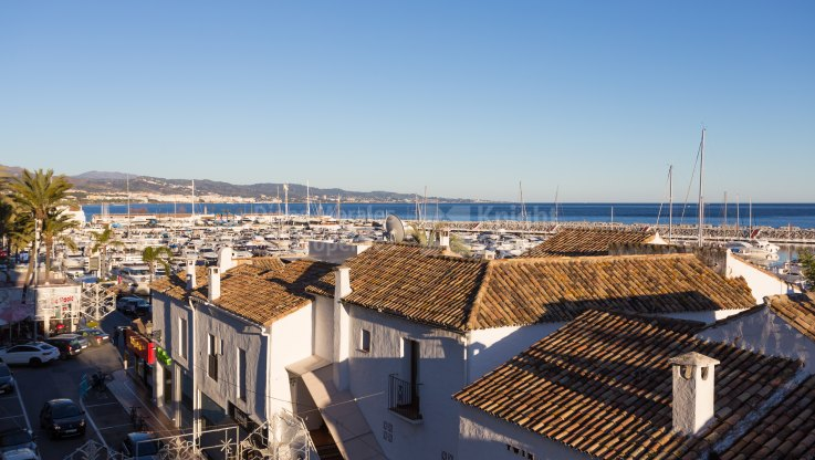 Walk-up Duplex Penthouse in Puerto Banus - Duplex Penthouse for sale in Marbella - Puerto Banus