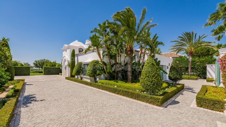 Charming golfside retreat in privileged location - Villa for sale in Finca Cortesin, Casares
