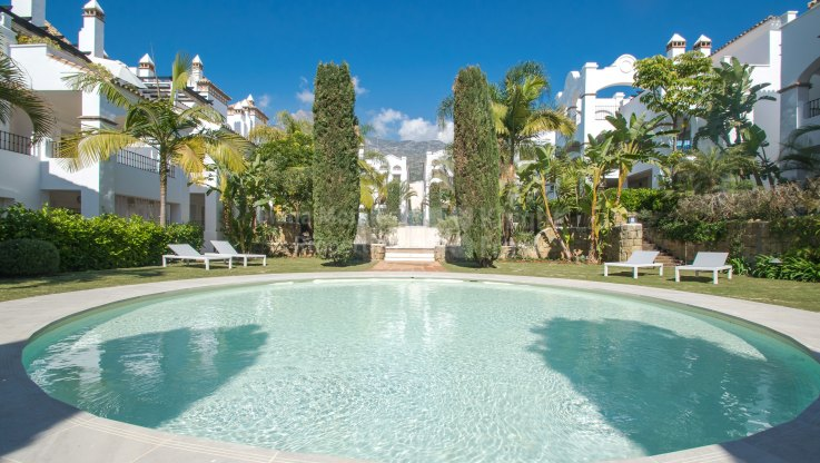 Marbella Town, Two-bedroom Duplex Penthouse in Quiet Area