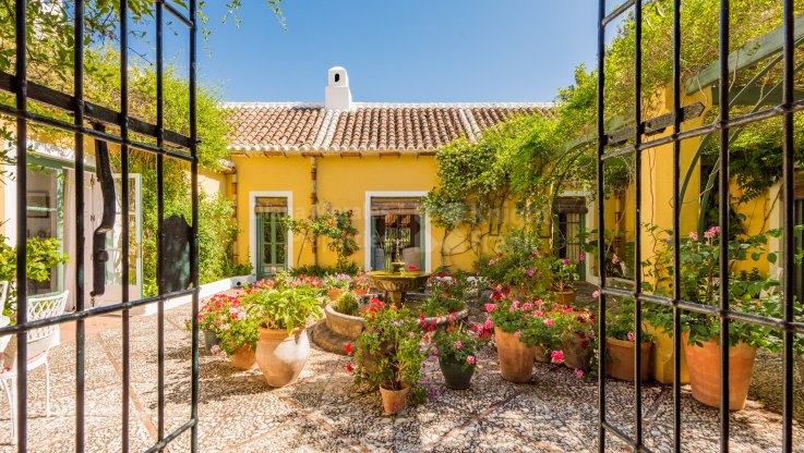 Coin, Charming finca in tranquil setting near Malaga