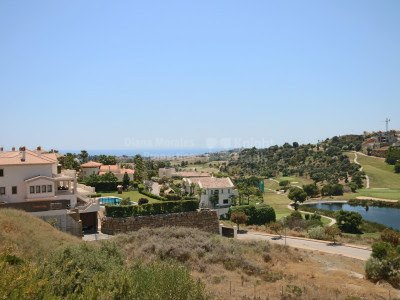 Frontline Golf Building Land close to Marbella - Plot for sale in La Alqueria, Benahavis