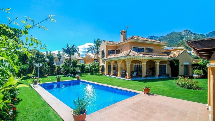 Marbella city, Beautiful family home in Marbella