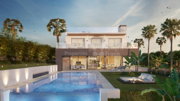 Nueva Andalucia, Villa under construction in Golf Valley