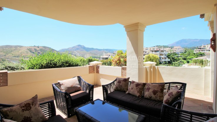 Ground floor apartment close to golf - Ground Floor Apartment for sale in Los Capanes del Golf, Benahavis