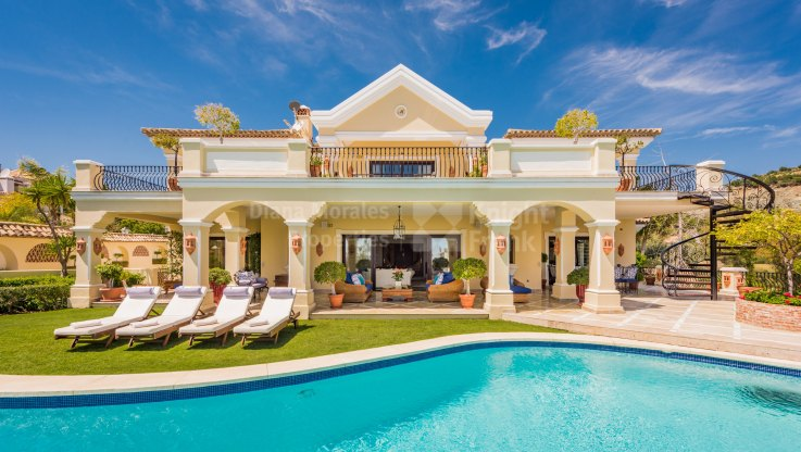 Spectacular Residence with Sea and Golf Views - Villa for sale in La Quinta Golf, Benahavis