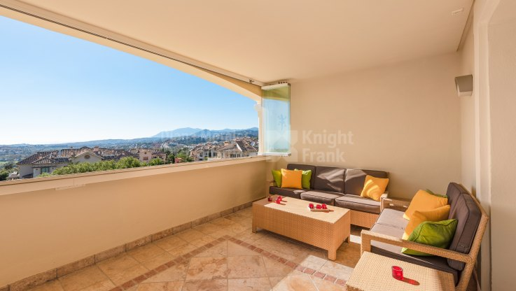 Sizeable Penthouse With Sea Views - Duplex Penthouse for sale in Aloha Park, Nueva Andalucia