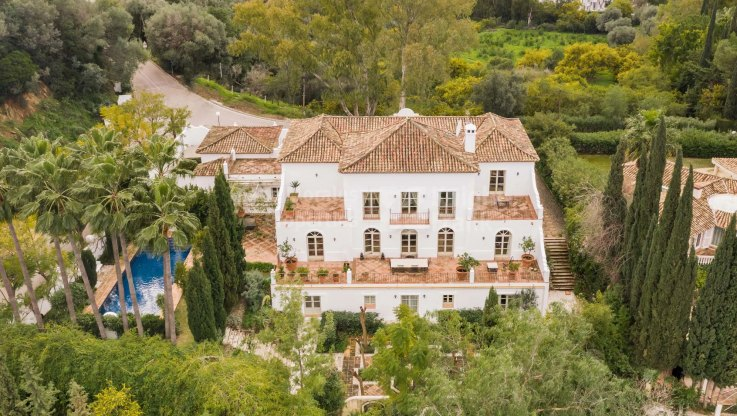 Property to be auctioned: 22-27th April 2001: Beautiful villa in Puerto del Almendro