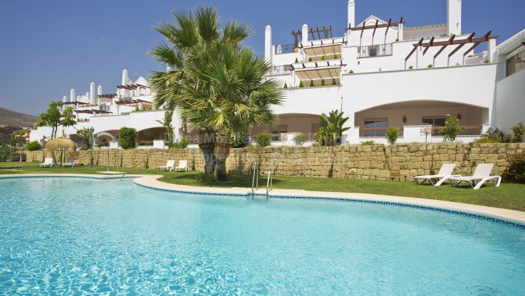 Nueva Andalucia, Duplex Apartment in the Golf Valley