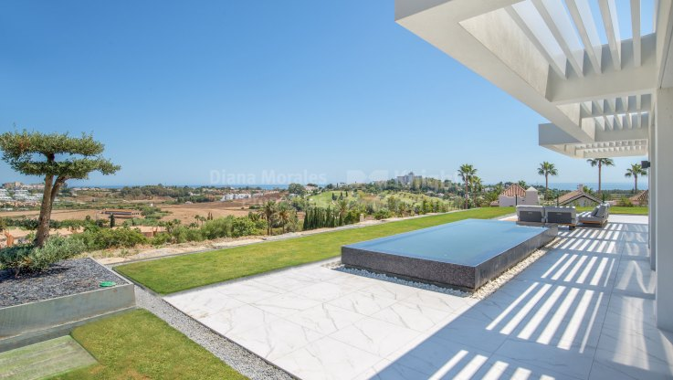 Mirador del Paraiso, Second floor apartment with panoramic views and private pool