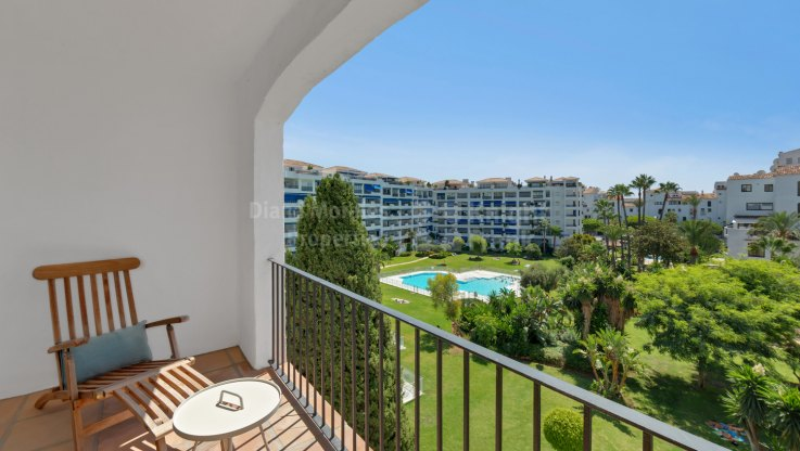 Jardines del Puerto, Scandinavian style apartment with nice garden views