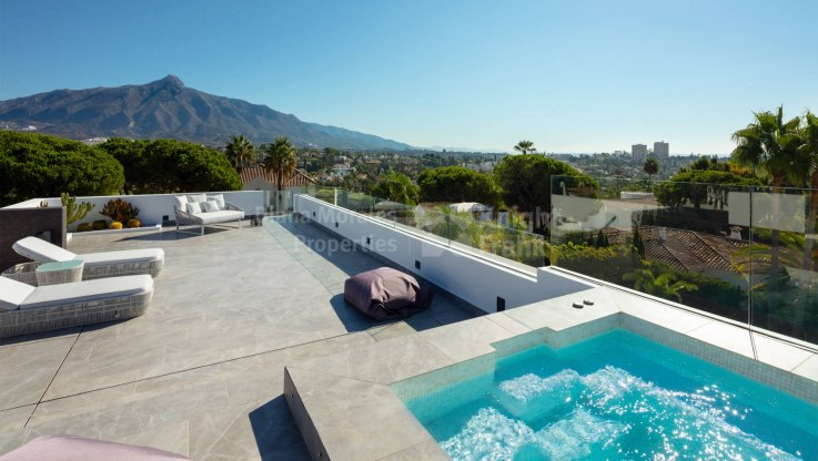 Modern south facing villa in Las Brisas