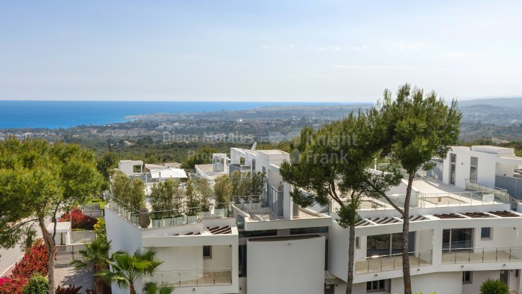 Modern Aesthetic in Sierra Blanca - Semi Detached Villa for sale in Sierra Blanca, Marbella Golden Mile
