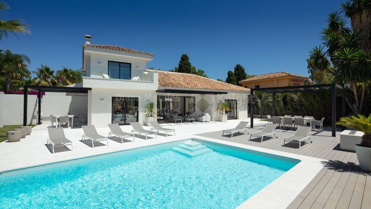 Cortijo Blanco, 4 bedroom villa 600 meters from the beach