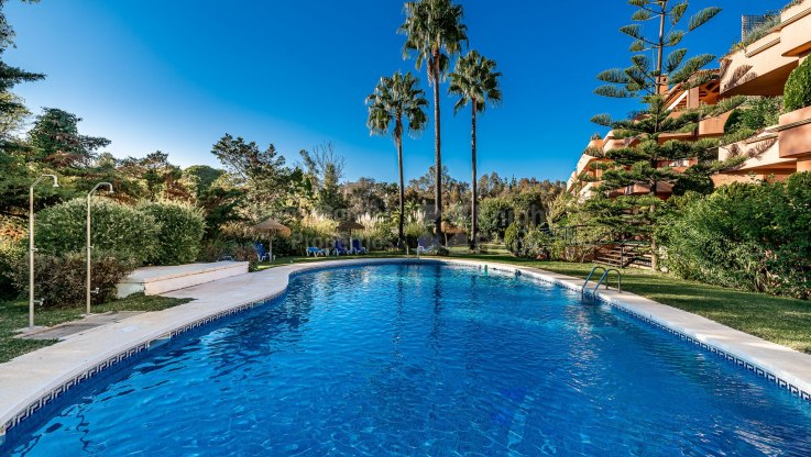 Ground Floor Apartment for sale in Balcones de Puente Romano, Marbella Golden Mile