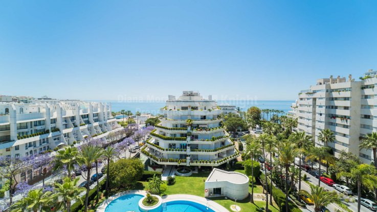 Marbella Centro, Spectacular duplex penthouse in the best address in Marbella town