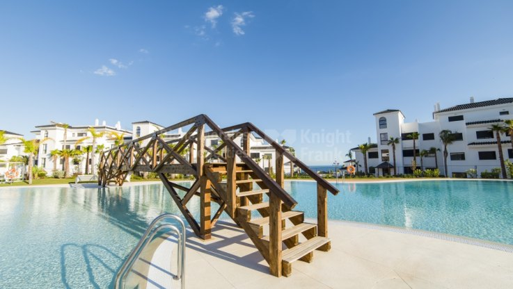 Estepona, 4-bedroom duplex apartment in new development